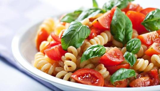 cà chua chứa a-xít làm các enzyme trong mì Ý yếu đi, đông lạnh sữa trong phô mai.