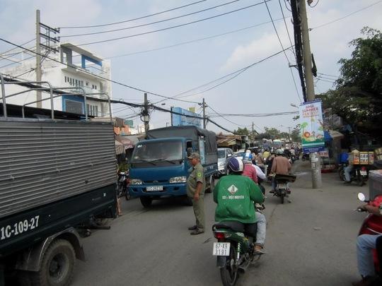 Vụ tai nạn làm giao thông trên đường Lê Đức Thị bị ùn tắc cục bộ