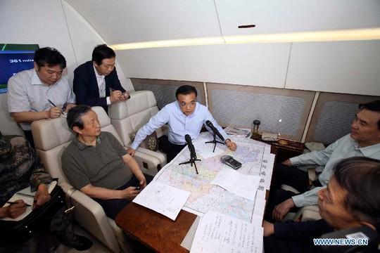 Thủ tướng Lý Khắc Cường đích thân chỉ đạo cứu hộ. Ảnh: Tân Hoa Xã