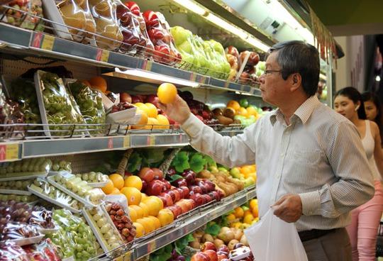 Trái cây được bán tại siêu thị Lotte Mart