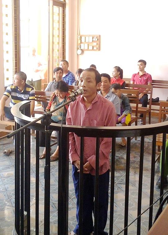 Trần Văn Anh tại phiên tòa sơ thẩm