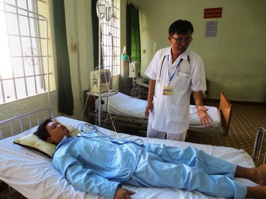 Máy bay quân sự chuyển bệnh nhân cấp cứu từ Trường Sa