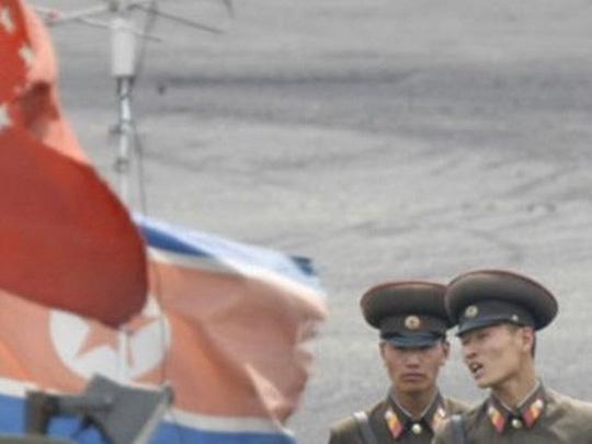 Binh lính Triều Tiên tại biên giới Trung - Triều. Ảnh: BBC
