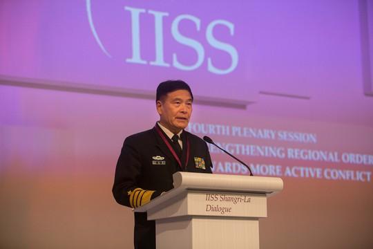 Tướng Tôn Kiến Quốc phát biểu tại Shangri-la. Ảnh: Thanh Tuấn