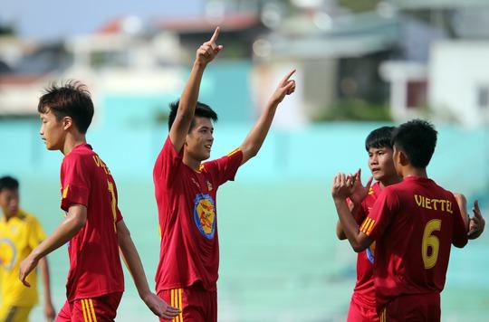 U17 Viettel mừng sau khi giành quyền vào trận chung kết