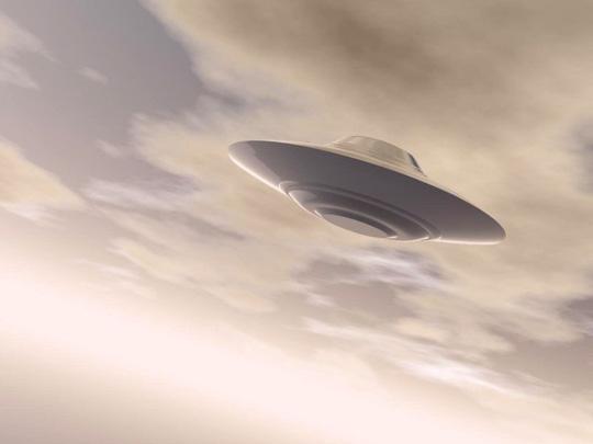 Nhiều người cho rằng 3 vật thể chính là đĩa bay của người ngoài hành tinh