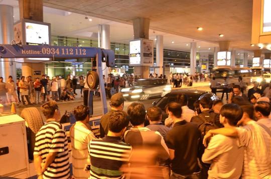 Hiện trường vụ tai nạn tại sân bay Tân Sơn Nhất