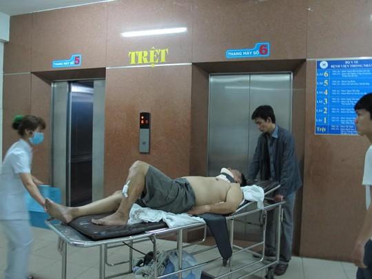 Nạn nhân được cấp cứu tại Bệnh viện Thống Nhất TP HCM