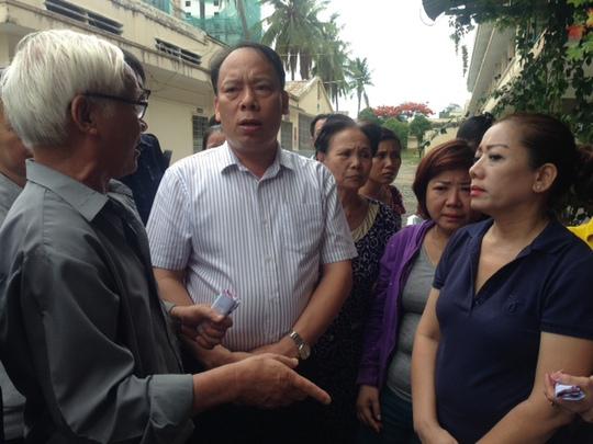 Ông Nguyễn Trọng Thái thăm hỏi các gia đình người bị nạn