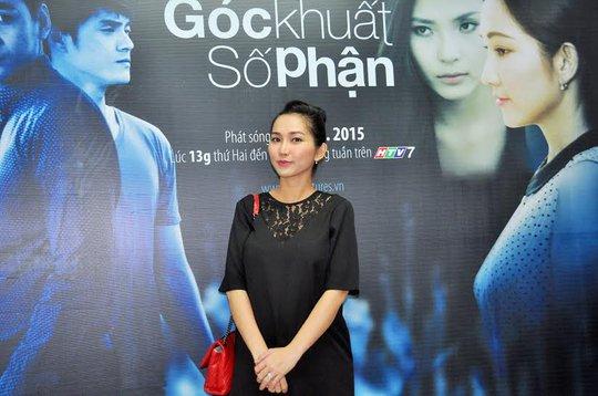 Kim Hiền rạng rỡ trong buổi ra mắt phim