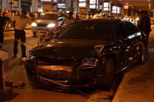 Hiện trường vụ tai nạn tại Tân Sơn Nhất