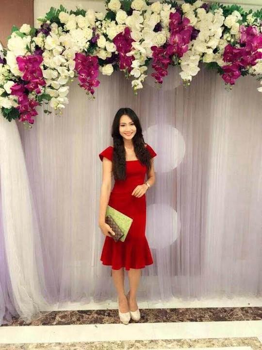 Ngoài việc đi học, Diệu Hiền còn tham gia làm nghề người mẫu tự do