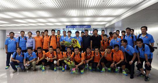 Những người hùng Olympic Việt Nam đã về đến TP HCM