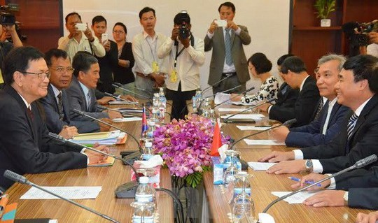 Cuộc họp giữa hai Chủ tịch Ủy ban liên hợp phân giới cắm mốc biên giới trên đất liền Việt Nam-Campuchia ngày 7-7 - Ảnh: Vietnam+