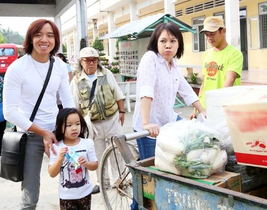 Nhạc sĩ Hoài Phương, Việt Hương và con gái