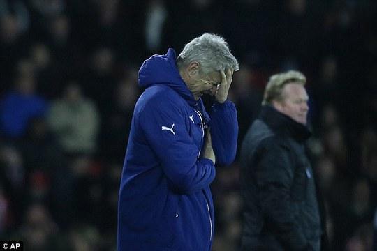 HLV Wenger thất vọng với phong độ của đội