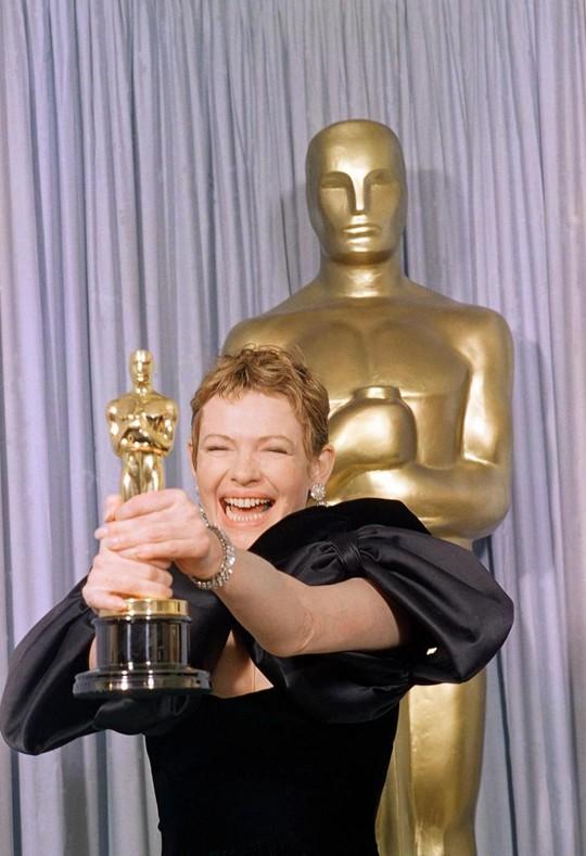 Dianne Wiest đoạt Oscar năm 1987