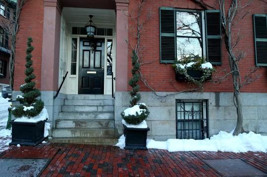 Hình ảnh trước nhà ông Kerry lúc chưa dọn tuyết. Ảnh: Boston Globe