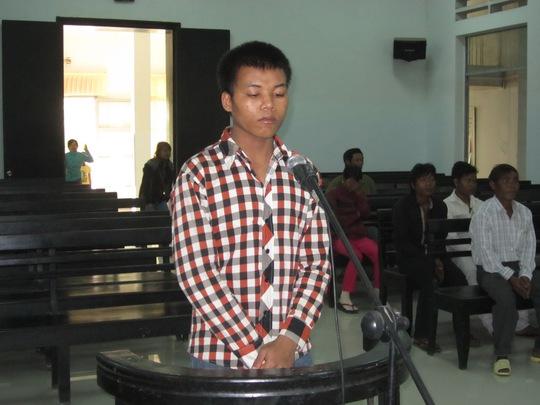 Bị cáo Cao Văn Thân trước vành móng ngựa.