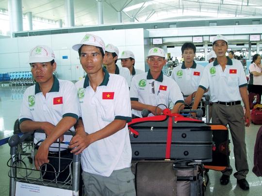 Lao động Việt Nam trước giờ lên đường đi xuất khẩu lao động ở nước ngoài ẢNH: Internet