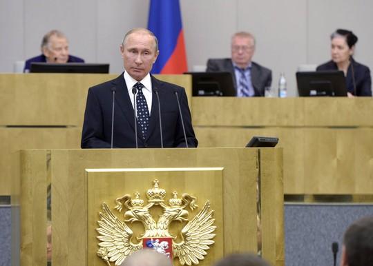 Ông Putin luôn nhận được những món quà sinh nhật đặc biệt. Ảnh: NYTimes