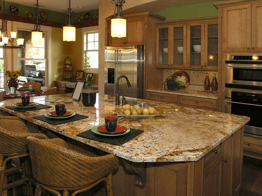 Đá hoa cương mang đến sự bền đẹp, chắc chắn cho căn bếp nhà bạn