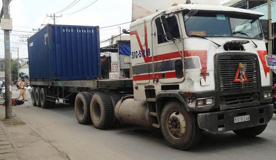 Chiếc xe container tại hiện trường
