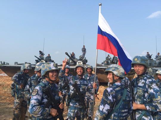 Hải quân Nga và Trung Quốc đã hoàn thành cuộc tập trận Joint Sea 2016 hôm 19-9. Ảnh: SPUTNIK NEWS