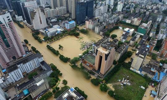 TP Hạ Môn, tỉnh Phúc Kiến ngập nặng nhìn từ trên cao. Ảnh: BARCROFT