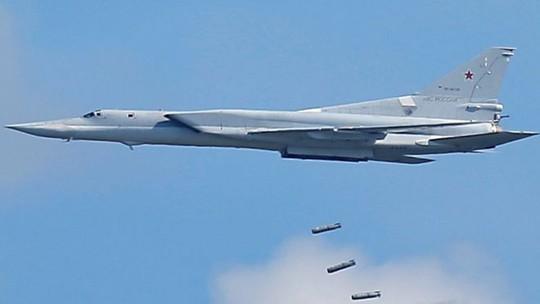Máy bay ném bom Tupolev Tu-22M3. Ảnh: REUTERS