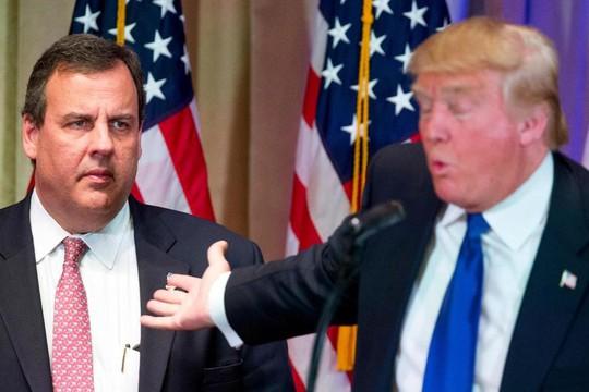Ông Trump (phải) và ông Christie. Ảnh: AP