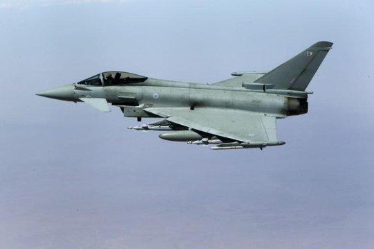 Chiến đấu cơ Typhoon của Anh. Ảnh: REUTERS
