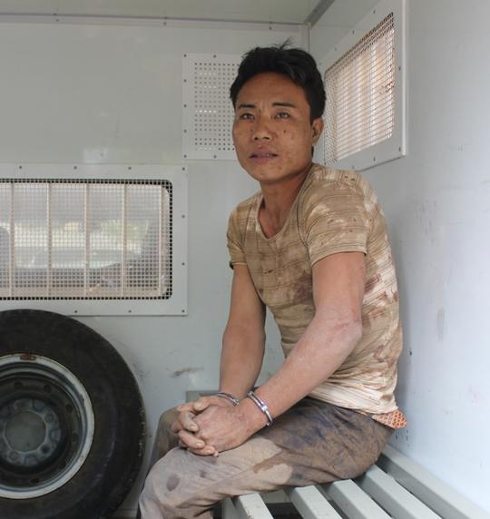 Nghi phạm Phù Minh Tuấn bị lực lượng chức năng bắt giữ sau khi gây ra vụ thảm án sát hại 4 người