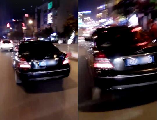Chiếc xe bị nhiều người dân truy đuổi trên đường - Ảnh cắt từ clip