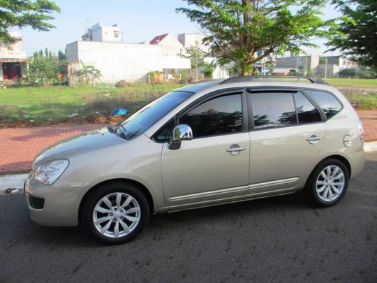 Kia Carens đời từ 2009 -2011 là một trong những dòng ô tô cũ đáng mua nhất hiện nay