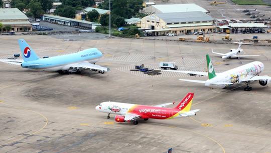 Sân bay Tân Sơn Nhất ngày càng quá tải Ảnh: HOÀNG TRIỀU