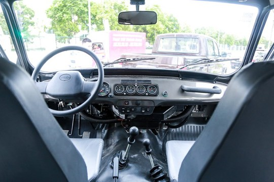 UAZ Hunter không có điều hòa trên xe