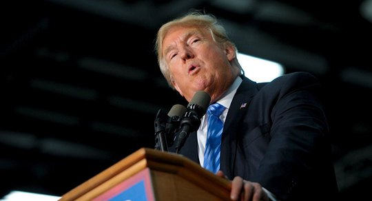 Ông Trump đang bị bỏ lại phía sau. Ảnh: Reuters