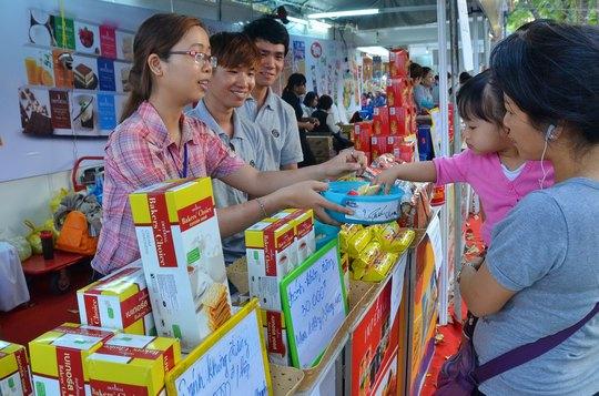 Mỗi năm, Thái Lan tổ chức hàng chục hội chợ xúc tiến thương mại để đưa hàng Thái tiếp cận người tiêu dùng Việt Nam Ảnh: TẤN THẠNH