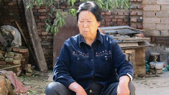 Mẹ của Nie, bà Zhang Huanzhi, đấu tranh trong 2 thập kỷ để minh oan cho con trai. Ảnh: CNN