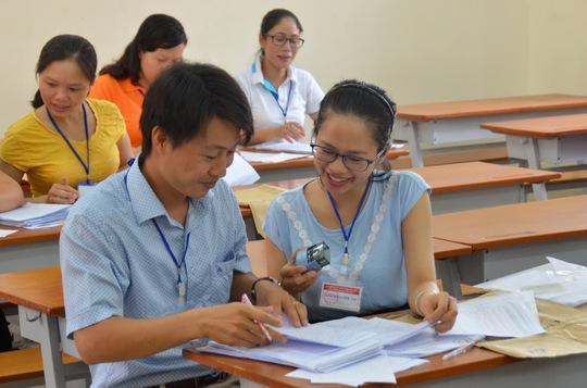 Chấm thi THPT quốc gia năm 2016 tại Trường ĐH Sài Gòn Ảnh: Tấn Thạnh