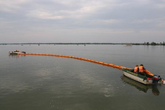 Theo kịch bản, dự kiến lượng dầu tràn xảy ra tại toàn bộ khu vực cảng Chu Lai – Trường Hải, khu vực nuôi trồng thủy sản, rừng ngập mặn, bãi đá, bãi cát xung quanh khu vực cảng trong bán kính 1 km