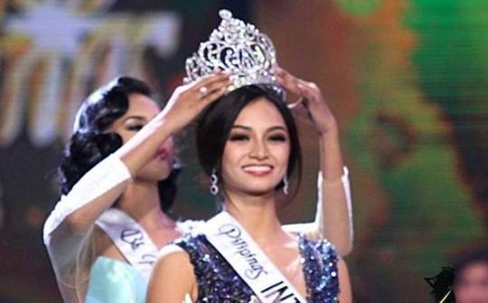 Kylie Verzosa trong giờ phút đăng quang ngôi vị Hoa hậu Quốc tế 2016 Ảnh: MISSGLOBALBEAUTIES