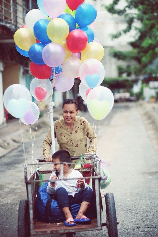 """Việt Hương vai người mẹ câm trong phim ngắn """"Mẹ"""" Ảnh: DUY NHẤT"""