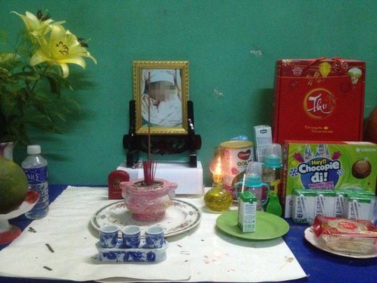 Bé sơ sinh tử vong sau khi sinh ít ngày. Ảnh đăng trên Facebook