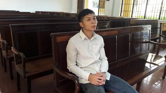 Bị cáo Huỳnh Lâm Bảo chờ nghe tuyên án