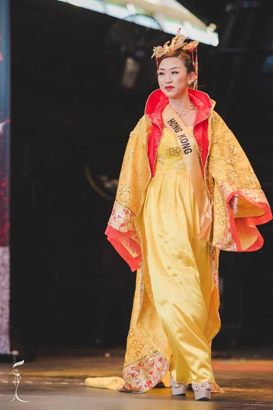 Hoa hậu Hồng Kong cũng bị chê xấu
