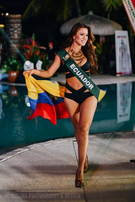 Người đẹp Ecuador nóng bỏng với bikini