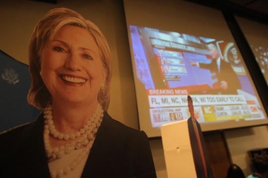 Hầu hết những người đến tham dự là cử tri Mỹ ủng hộ bà Clinton