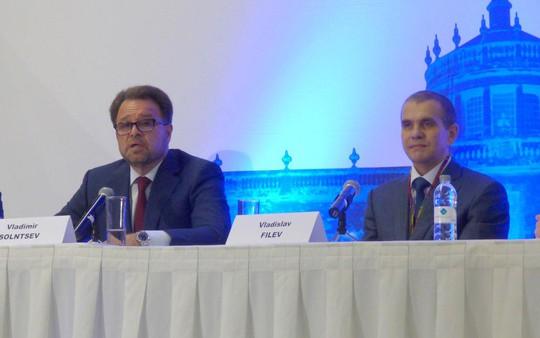 Ông Vladislav Filev (phải) tại cuộc họp báo về thương vụ Sea Launch ở TP Guadalajara - Mexico hôm 27-9 Ảnh: SPACENEWS